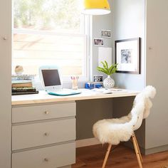 Oh Sunday Sunday, if only I could find a home office space like this to do my editing post work. I wonder if that vintage Mac can support my editing software?  Beautiful office design by @daleetspectordesign  #zekeruelasphotography #interiorshoot #interiorphotography #interior #officedecor #officespace #homeoffice #homeofficedesign #homeofficedecor #macbookpro #vintagemac #homedecor #daleetspectordesign #workday #photography #interiorphotographer #decor #design