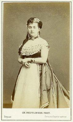Leonide Leblanc. Photograph Reutlinger. Paris