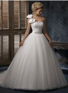 Wedding dress picture | Wedding Dresses Pics but ew on the bow