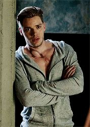 Dominic Sherwood as Gavin Parker-Price in Angela M. Shrum's upcoming novel, The Space Between Jace Wayland Shadowhunters, Shadowhunter Alec, Shadowhunters Series, Dominic Sherwood Shadowhunters, Isabelle Lightwood, Jace Lightwood, Clary Und Jace, Gallagher Girls, Shadowhunters The Mortal Instruments