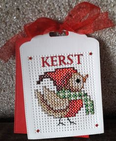 Kerstkaart Tiny Cross Stitch, Xmas Cross Stitch, Cross Stitch Cards, Cross Stitching, Cross Stitch Embroidery, Cross Stitch Patterns, Hand Embroidery Videos, Cute Sewing Projects, Cross Crafts
