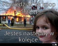 Podobny obraz K Meme, Bts Memes, Weekend Humor, Reasons To Smile, Read News, Bts Jimin, Funny Jokes, Haha, K Pop