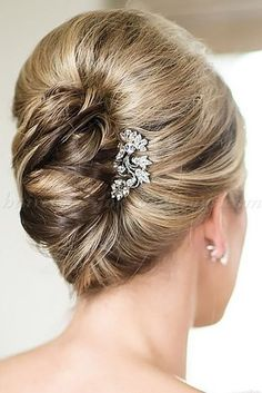 Mother Of The Bride Hairstyles ❤ See more: http://www.weddingforward.com/mother-of-the-bride-hairstyles/ #weddings #frenchtwisthairstyle