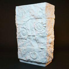 AK Kaiser Bisquit Porzellan Vase • Design M. Frey • Fossil Design