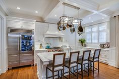 Traditional kitchen by Johnson & Associates Interior Design
