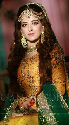 Couple Wedding Dress, Wedding Dresses For Girls, Wedding Wear, Pakistani Bridal Jewelry, Bridal Mehndi Dresses, Bridal Looks, Bridal Style, Indiana, Mehndi Outfit