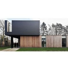 house woning belgiumarchitecture wood leien is part of House architecture design - Facade Architecture, Residential Architecture, Building Exterior, Building A House, Exterior Tradicional, House Cladding, Villa, Minimal Home, House Elevation