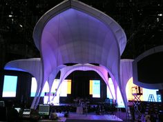 Amazing VMA stage set link   Tension Fabric and Fabric Graphics