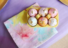 [Miraculously Smiling Easter Card] Marbled easter eggs and napkins DIY (via coco kelley) would be the perfect companion to this design. I love the touches of gold leaf.