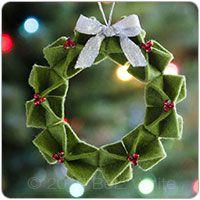 Felt origami wreath ornament PDF pattern by Betz White Christmas Decoration Christmas, Felt Christmas Ornaments, Noel Christmas, Handmade Christmas, Christmas Stocking, Christmas Projects, Felt Crafts, Holiday Crafts, Holiday Tree