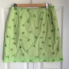 """Lilly Pulitzer skirt Sz 10P Fully lined with eyelet embroidery. Back zipper and pocket. 18.5"""" long . Smoke free.  K Lilly Pulitzer Skirts Mini"""