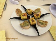 10 Typical #Granada Tapas Bars by @piccavey http://goo.gl/td60gM #Andalucia #Spain