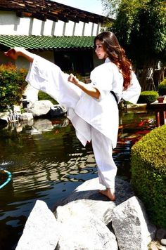 Yoko geri... [ Swordnarmory.com ] #Martial #arts #swords