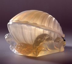 "*1936 Lalique ~Glass Shell created by Lalique to hide the ""Trésor de la Mer"" perfume bottle,the shell 15cm"