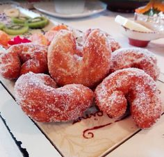 ☕ Desayunos especiales en el hotel con productos caseros como  ¡rosquillas!  Foto de María que nos visitó hace unas semanas ¡gracias por compartirla! Homemade Desserts, Doughnut, Food, Diy Products, Donut Holes, Thanks, Deserts, Essen, Meals
