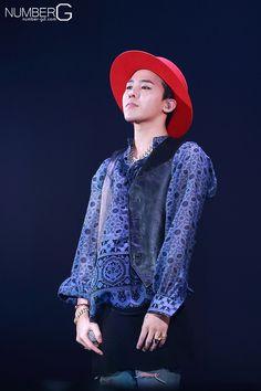 G-Dragon at Tokyo Girls Collection (150228)