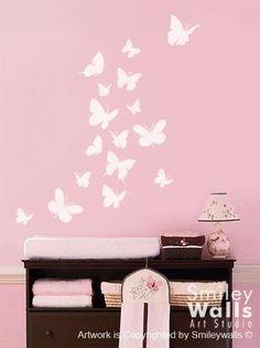He encontrado este interesante anuncio de Etsy en https://www.etsy.com/es/listing/49764774/wall-decal-butterflies-set-of-16-nursery