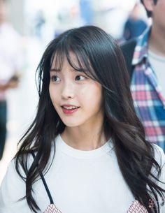 IU 160708 IncheonAirport Cute Korean Girl, Asian Girl, Iu Hair, Celebrity List, Permed Hairstyles, Girl Inspiration, Summer Girls, Most Beautiful Women, Korean Singer