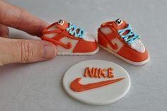 Fondant Nike Shoes by lydiabakes