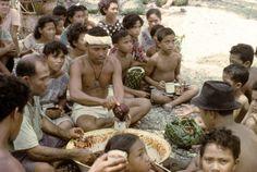 TitleDespatching, distributing turtles 3.10.67 CreatorHuntsman, Judith (photographer) . ContributorHuntsman, Judith (researcher) Date1967-1968 SubjectSocial Anthropology Tokelau people GeographicalNukunonu (Tokelau) PublisherDepartment of Anthropology, University of Auckland
