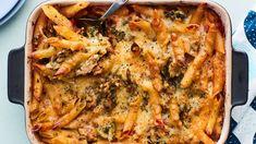 Italian mamman broilerivuoka - Yhteishyvä Weeknight Meals, Easy Meals, Healthy Cooking, Cooking Recipes, Slow Food, I Foods, Food Inspiration, Italian Recipes, Chicken Recipes