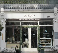 Daylesford Organic in Notting Hill/ Westbourne Grove- I like the store front.