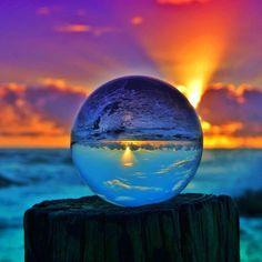 Ball Glass by Garry Norris  pic.twitter.com/ylTcFuNL6l