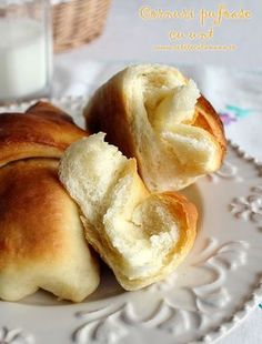 Preparare Cornuri pufoase cu unt 14 Gastronomy Food, Cake Recipes, Dessert Recipes, Desserts, Sweet Dough, Homemade Sweets, Romanian Food, Just Bake, Pastry And Bakery
