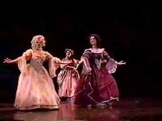 ▶ Baroque Dance: Gavotte from Atys - YouTube