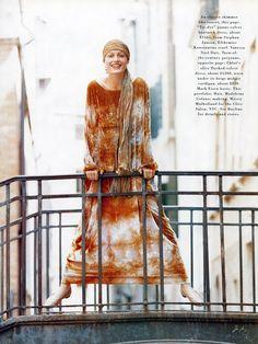 ☆ Amber Valletta | Photography by Patrick Demarchelier | For Harper's Bazaar Magazine US | September 1993 ☆ #Amber_Valletta #Patrick_Demarchelier #Harpers_Bazaar #1993