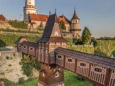 Jurkovičův most v Novém Městě nad Metují Haunted Places, Czech Republic, Prague, Wonderful Places, Castles, Places To See, The Good Place, Minecraft, Travelling