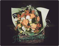 情人節系列 - 橙玫瑰花束  由即日至2016-01-31前訂購任何情人節花束可享特惠價訂購歡迎 Whatsapp / 致電 (5405 3785)查詢  #hkigshop #florist #floralholic #valentineday #lover #bouquets #rose #情人節 #情人節禮物 #送花 #玫瑰 #老婆 #女朋友 #早買平兩舊 by floralholic.hk