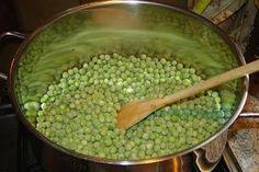 Borsófőzelék fasírozottal, lépésről lépésre   Mai Móni Soup Recipes, Side Dishes, Beans, Vegetables, Food, Vegetable Recipes, Eten, Veggie Food, Prayers