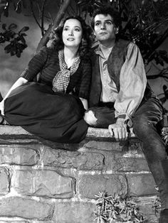 Merle Oberon & Laurence Olivier in William Wyler's, 'Wuthering Heights', 1939 - TCM's 31 Days of Oscar features this Classic British, Romantic Drama on Sunday, February 14th - 2:15 am -