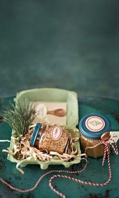 Ihan paras joulusinappi – katso resepti! | Meillä kotona Christmas Diy, Christmas Decorations, Tapenade, Food Styling, December, Presents, Recipes, Holidays, Inspiration