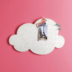 We adore this cloud cork board. Available for sale or a nifty DIY idea!