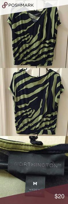 02a903bc6 Worthington black and green shirt Worthington black and green print shirt  Worthington Tops Camisas Estampadas