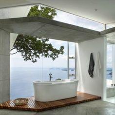 Badkamers met adembenemende uitzichten | roomed.nl
