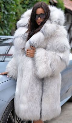ARCTIC ROYAL SAGA FOX FUR. FANTASTIC FUR COAT WITH HOOD. ARCTIC FOX ! TOP QUALITY AND CLASS - MADE FROM ROYAL SAGA MINK SKINS. IS ONE OF THIS FUR THAT WE DO NOT HAVE TO RECOMMEND. All skins used in our fur coats are Farm Raised. | eBay!