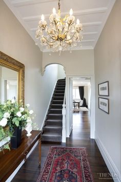 Dulux Tuft & Antique White USA