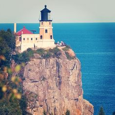 """The Split Rock Lighthouse was named #3 on @usatoday's list of the """"10 best lighthouses around the USA."""" Have you visited the Split Rock Lighthouse? #lighthouse #OnlyinMN"""