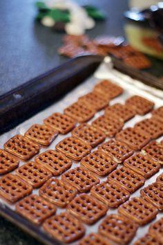 quick chocolate covered pretzels bites