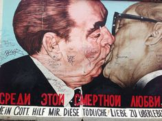 Berlin wall 'The Kiss'