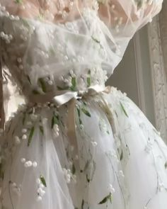 "Monique Lhuillier on Instagram: ""Lily of the Valley 🌿🤍🌿 xM"" Retro Wedding Dresses, Bohemian Wedding Dresses, Monique Lhuillier, Lily Of The Valley, Victorian, Classic, Instagram, Fashion, Derby"