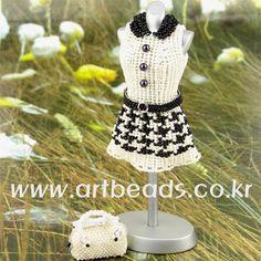 - Esta es una linda ropa como para muñecas barbie y ¡esta de lujo!!!!!