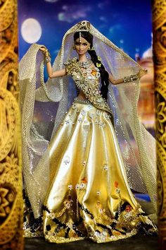 Barbie India National Costume/miss galaxy doll Doll Clothes Barbie, Vintage Barbie Dolls, Barbie Dress, Barbie India, Indian Dolls, Beautiful Barbie Dolls, Barbie Princess, Barbie Accessories, Barbie Collector