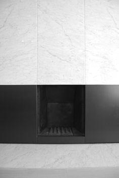 DE MEESTER VLIEGEN fireplace Interior Design Layout, Black Interior Design, Interior And Exterior, Home Fireplace, Fireplaces, Minimalist Fireplace, Light My Fire, Interior Architecture, Contemporary