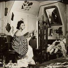 * Leonor Fini (1907 - 1996) en 1952 dans son studio