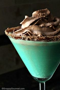 Mint Chip Cookietini, an easy chocolate and mint cocktail that reminds me of a Thin Mint! SnappyGourmet.com