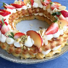Discovered by Nerea De Seine. Find images and videos about food, delicious and cake on We Heart It - the app to get lost in what you love. Danish Cake, Danish Food, Sweet Recipes, Cake Recipes, Dessert Recipes, Denmark Food, Food Crush, Different Cakes, Snacks